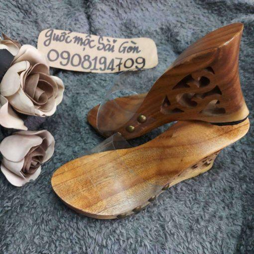 guốc gỗ quai ngang khắc họa tiết